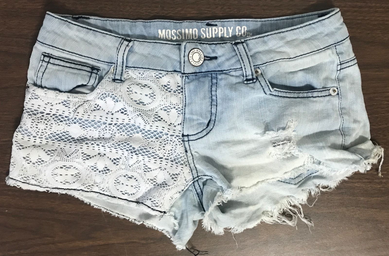 7a3bd6bb2 Mossimo Supply Co. Women's Jean Shorts Size and 50 similar items. 57