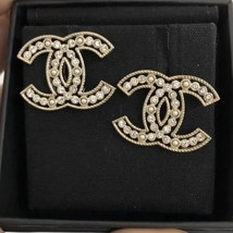 100% AUTH NEW CHANEL 2019 XL Large Gold CC Pearl Stud Earrings image 4