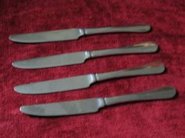 "Wallace Hartford set of 4 Solid handled knives 8 7/8"" - $12.87"