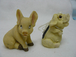 Animal 2 Sitting Pigs Figurines  #106 - $7.99