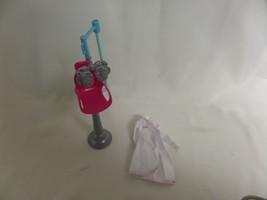 BARBIE EYE DOCTOR CAREERS GIRLS DOLL PLAYSET OPTOMETRIST CHAIR LAB COAT - $23.22