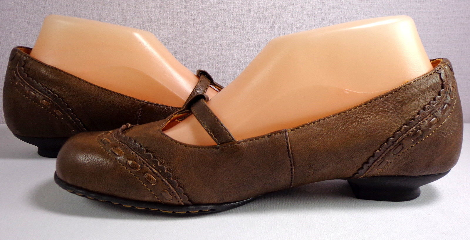 Born Womens Brown Leather Low Heel Shoes Size 8.5 M