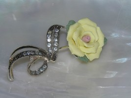 Vintage AVON Pale Yellow Porcelain Rose Flower w Silvertone Ribbon Encrusted - $12.19