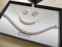 Macy's Diamond Accent Silver Plated Necklace Set C502 $200 - $1.298,74 MXN