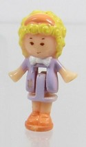 1992 Vintage Polly Pocket Doll Polly at the Burger Stand (Fast Food) - P... - $7.00