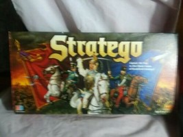 Stratego 1999 Board Game Capture The Flag 100% Complete **FREE SHIPPING - $42.08