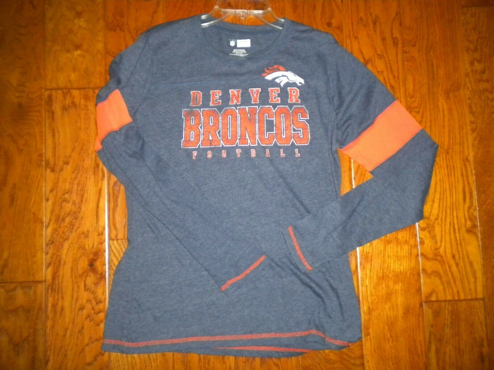 "Primary image for NFL Team Apparel Size XL ""DENVER BRONCOS"" Women Long Sleeve Shirt"