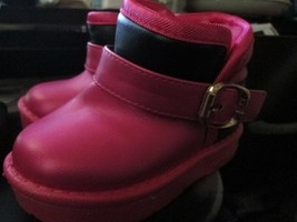 Toddler girls Winter Ankle Snow Boots size 6 Brand New - $15.50