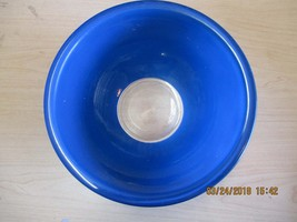 Pyrex Blue Mixing Bowl with Clear Bottom  2.5 L #325 - $18.00