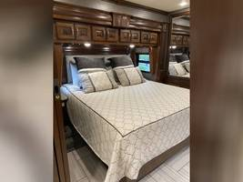 2018 AMERICAN COACH AMERICAN REVOLUTION 42S FOR SALE IN Avon, Indiana 46123 image 12