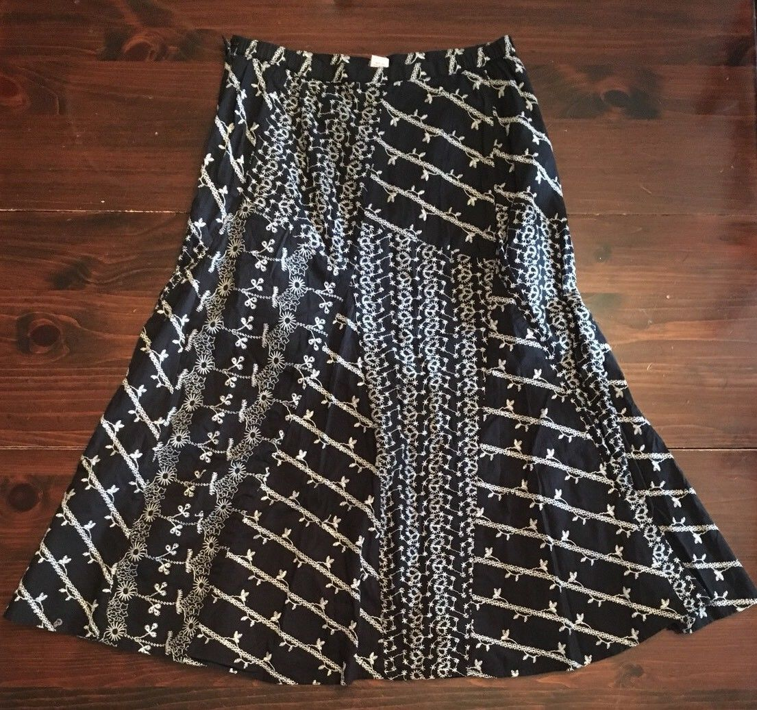 JM COLLECTION WOMEN'S 12 black white skirt embroidery patched style 29x31