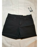 Universal Thread Goods Co. Women's Midi Shorts Fitted Hip & Leg Size 6/R - $15.79