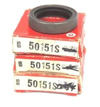 """LOT OF 4 NEW NATIONAL FEDERAL MOGUL 50151S OIL SEALS 1.1250"""" X 1.5650"""" X 0.3750"""" image 1"""
