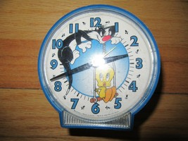 8Y/WARNER BROTHERS/LOONEY TOONS/TWEETY & SYLVESTER/ALARM CLOCK/1997/WORKS! - $29.65