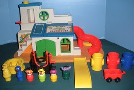 Vtg. FP Little People #937 Sesame St. Clubhouse 99% Complete/ EXC++ (I) - $180.00