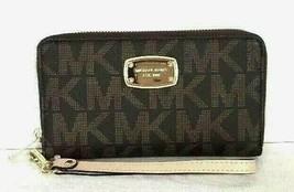 New Michael Kors Jet Set Item Large Flat MF phone case Signature PVC Brown - $59.00