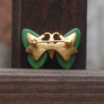 Vintage crown trifari faux jade butterfly figural scatter pin2 thumb200