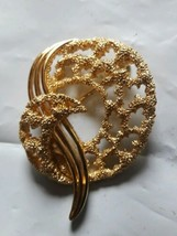 Large Vintage Crown Trifari Gold Tone Ornate Abstract Brooch Pin Pendant - $21.78