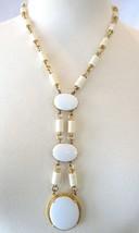 Vintage White/Ivory Mod Pendant Necklace - $19.00