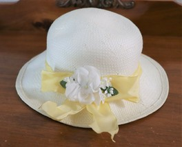 Girls 100% Natural Straw Hat With Yellow Ribbon & White Flowers very good - $6.92
