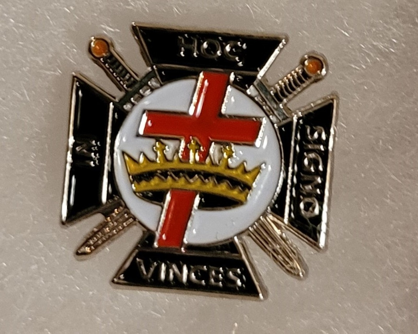 Knights Templar Crown and Cross Lapel Pin