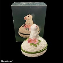 Avon 1982 Bunny Luv Ceramic Trinket Box 1982 Hand Painted - $14.84