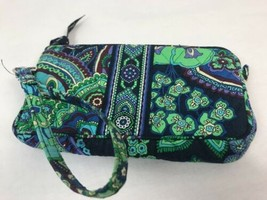 Vera Bradley Wristlet in Bowtiful Life, Navy and Green Pattern - $11.39