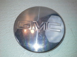 "2004 Gmc Yukon Denali Xl 1500 Center Cap For Wheel Only 18x8, 6 Lug, 5-1/2"" - $19.31"