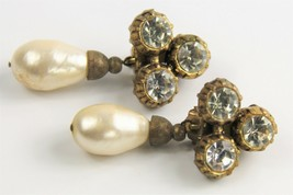 ESTATE VINTAGE SIGNED CHANEL 1984 MABE GLASS PEARL RHINESTONE DANGLE EARRINGS image 2