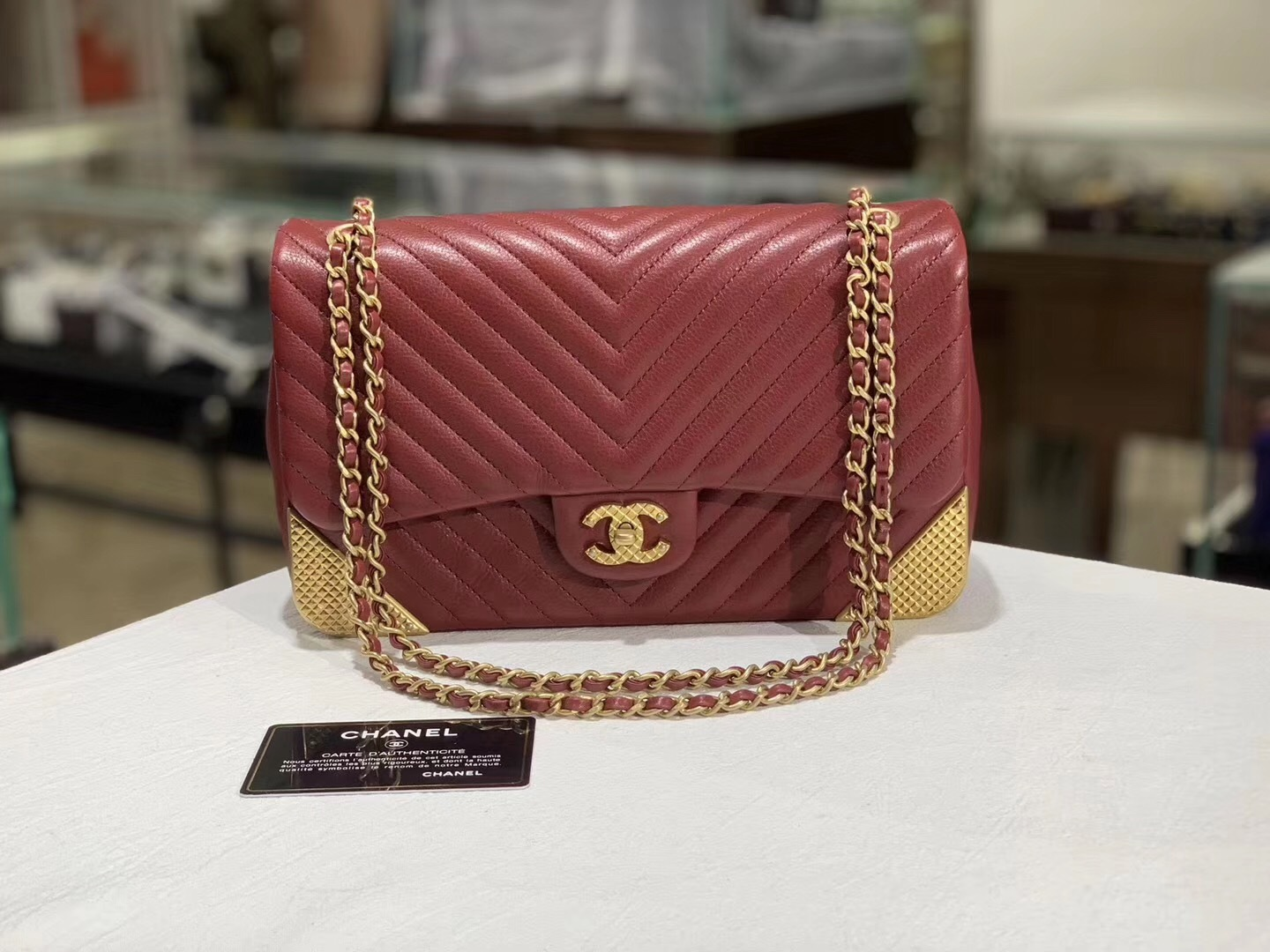 NEW AUTHENTIC CHANEL RED ROCK THE CORNER CHEVRON MEDIUM FLAP BAG GHW