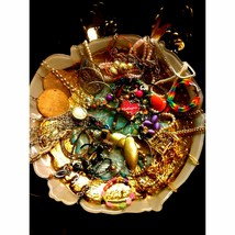LOT OF WEARABLE REPAIRABLE JEWELRY - $22.77