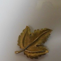 Vintage Signed Crown Trifari Gold-tone Textured Leaf  Brooch - $15.99