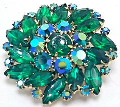 Vintage SIgned Weiss Iridescent Emerald Green Brooch Pin EUC - $69.95