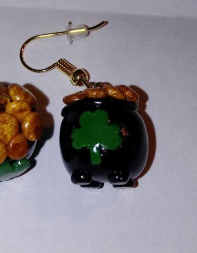 Pot of Gold pendant Patrick/'s Day jewelry Pot of Gold Lampwork  Pot of Gold St Lampwork pendant