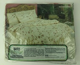 Vintage NIP Pequot Percale Twin Flat Sheet Waltzing Daisies Floral USA - $18.81