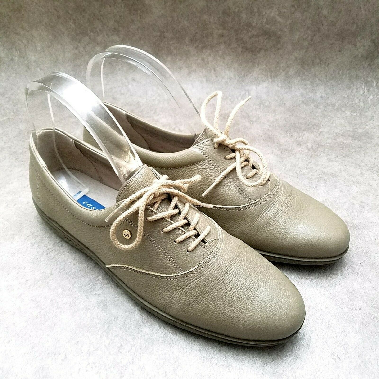 Easy Spirit Womens Motion  Sz 8.5 M Olive  Leather Lace Up Oxford Flats - $29.99