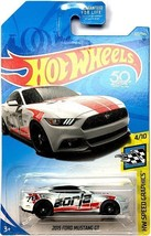 Hot Wheels 2018 Muscle Mania 2015 Ford Mustang GT - $4.95