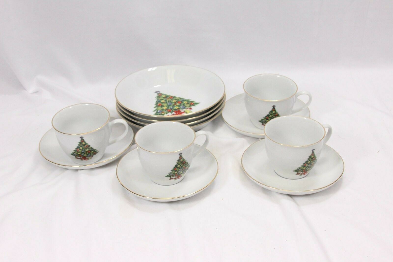 Jamestown Xmas Treasure Bowls Cups Saucers Lot of 12