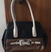 GUESS black/cream/brown handbag new - $24.00