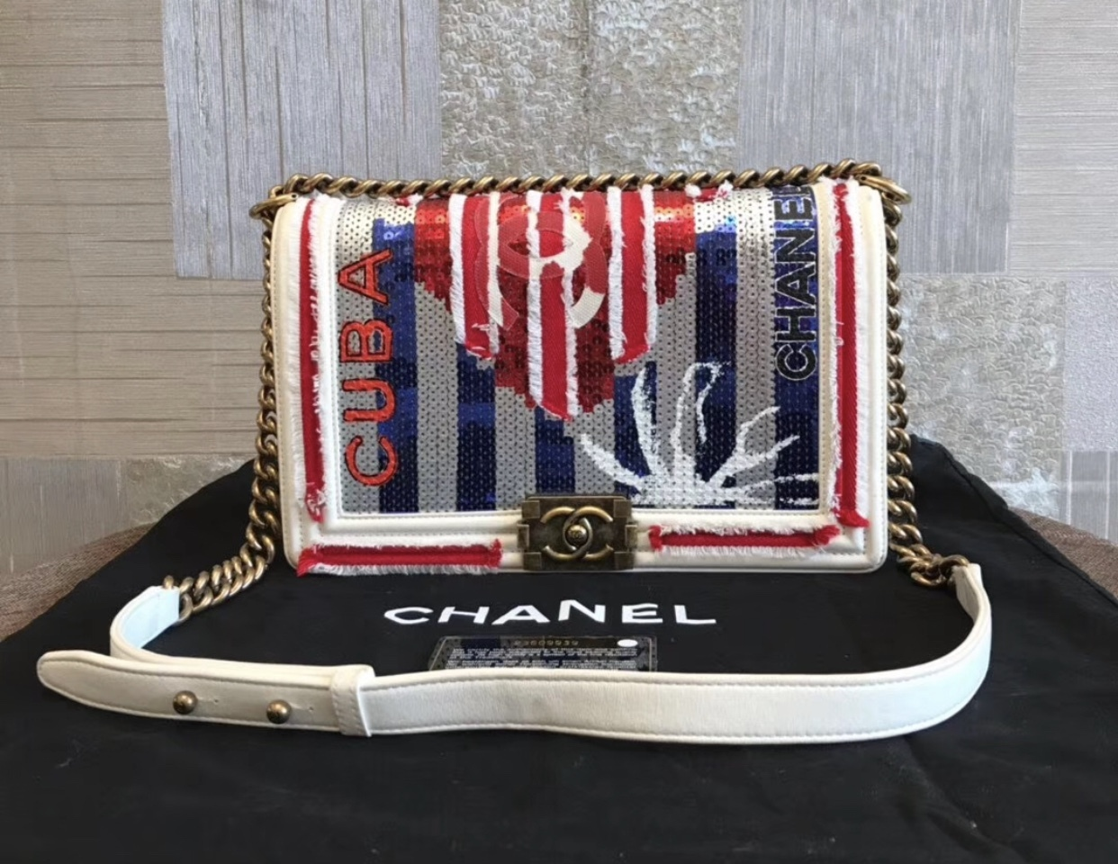 AUTHENTIC CHANEL LIMITED RUNWAY CUBA SEQUIN MEDIUM BOY FLAP BAG RARE