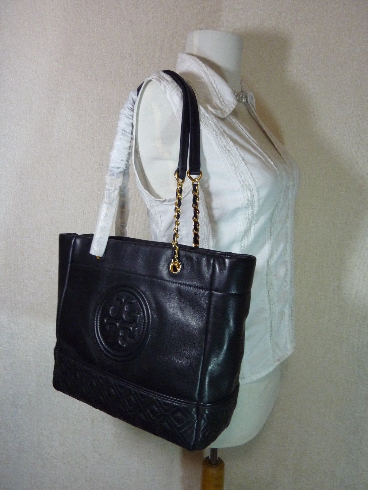 NWT Tory Burch Black Leather Fleming Medium Tote $558