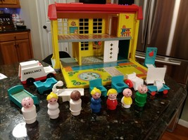 VTG 1976 #931 Fisher Price Children's Hospital 931 Little People Lot Set - $129.95