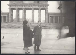 YZ3284 Germany 1962 - Berlin - Holder Of Brandenburg - Photography Period - - $20.83