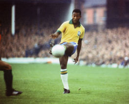 Pele Kick SA Vintage 11X14 Matted Color Soccer Memorabilia Photo - $14.99