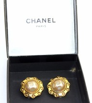 Authentic Chanel Gold Tone W/ Pearl Clip-on Earrings Ear Ring Accessories France - $189.13