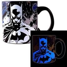 Batman Stare Glow In The Dark 20oz Coffee Mug Black - $21.98