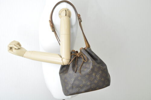 LOUIS VUITTON Monogram Petit Noe Shoulder Bag M42226 LV Auth 8099