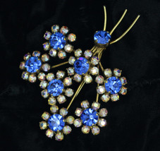 Vintage Jewelry Costume Brooch blue/white Diamante stones 50s/60s Flower... - $25.27