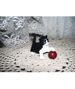 KITTY WITH A RED BALL 1994 TOPPS FIGURE  - $12.16