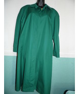Medium Size Green Trench Coat  Lining Rain Coat True Vintage  - $59.39